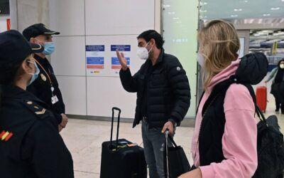Aena prepara la entrada de clínicas en 15 aeropuertos para realizar test de Covid-19