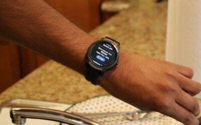 Un reloj inteligente alerta a los usuarios sordos